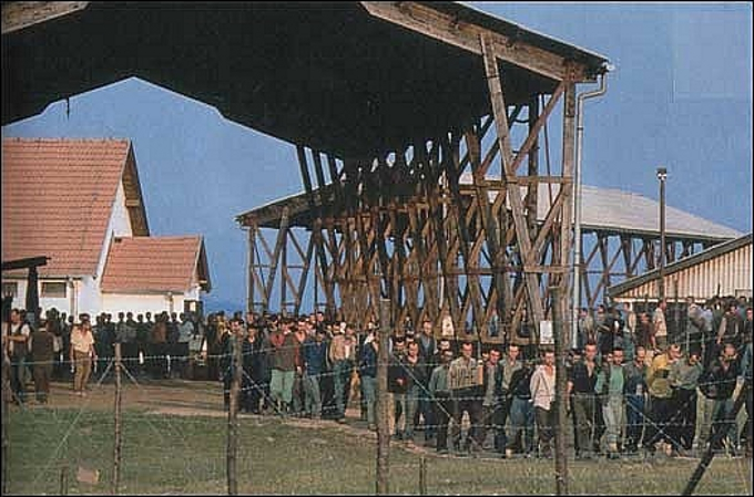 Bosnian Genocide (1992), Prisoners at Omarska concentration camp near Prijedor